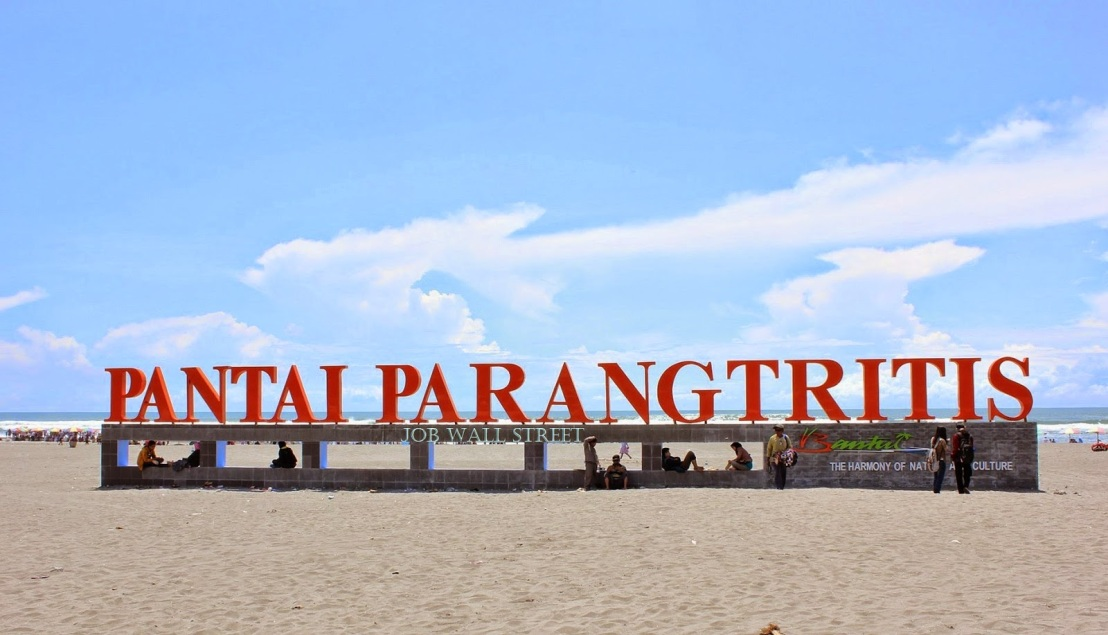 Obyek Wisata Pantai Parangtritis Di Jawa Tengah